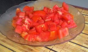 pomidori narezannye