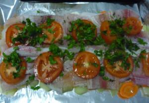 zelen-kolechki-pomidorov-na-rybe
