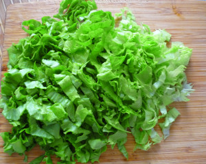 narezannye-listia-salata