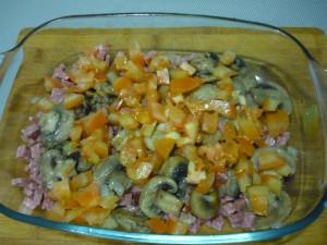obzharennye-griby-s-kolbasoy-i-pomidorami