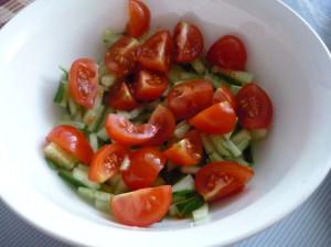 pomidori-cherri-s-ogurcom