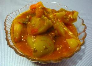 salat-dunayskiy-iz-zelenyh-pomidorov