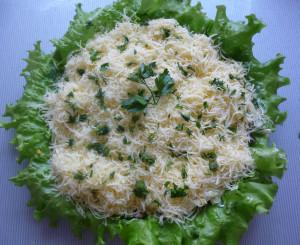 ukrashenny-zeleniu-gotovy-salat