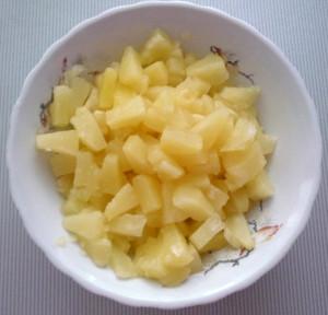 kusochki-ananasov-dlya-torta