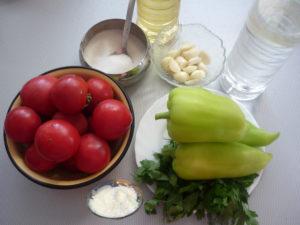 ingredienty-dlya-prigotovleniya-malosolnyh-pomidorov