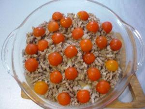 dolki-pomidorov-vylozhennye-na-farshe