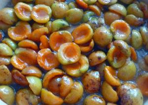 abrikosy-zalitye-siropom