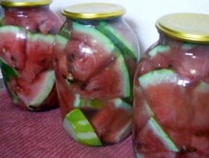 arbuzy-zalitye-marinadom
