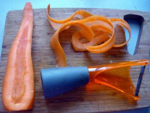 tonkie-lomtiki-morkovi-dlya-zapekanki
