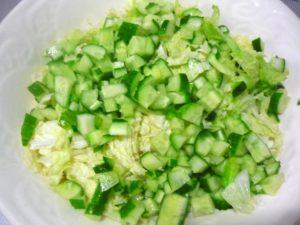kubiki-svezhih-ogurtsov-dlya-salata