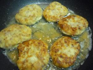 obzharevanie-kartofelnyh-zraz-s-myasom