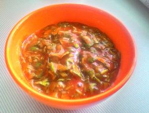 tomatny-sous-s-zelenyu